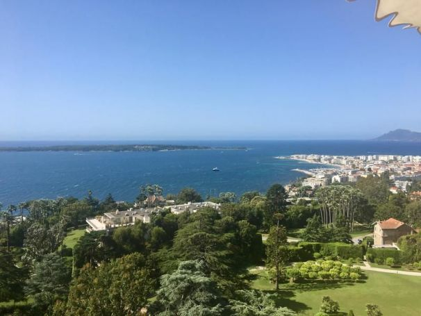 APPARTEMENT  67 M2 VUE MER CANNES