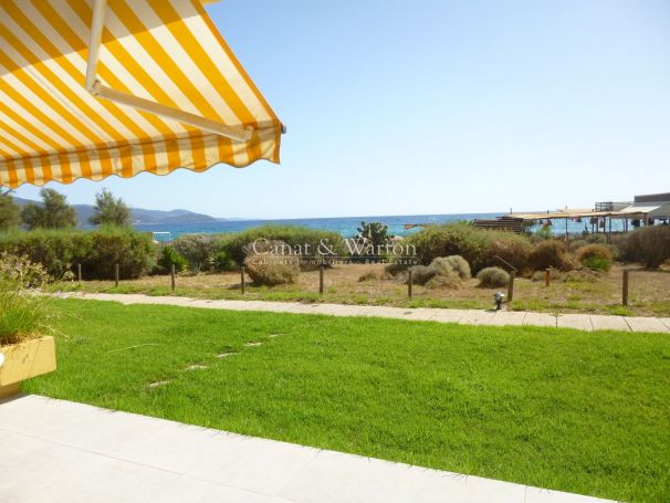 A vendre APPARTEMENT T4 100 M² VUE MER ACCES DIRECT PLAGE le lavandou