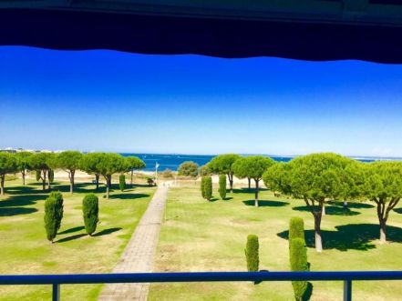 LOCATION VACANCES APPARTEMENT T2 PARKING VUE MER LE GRAU DU ROI