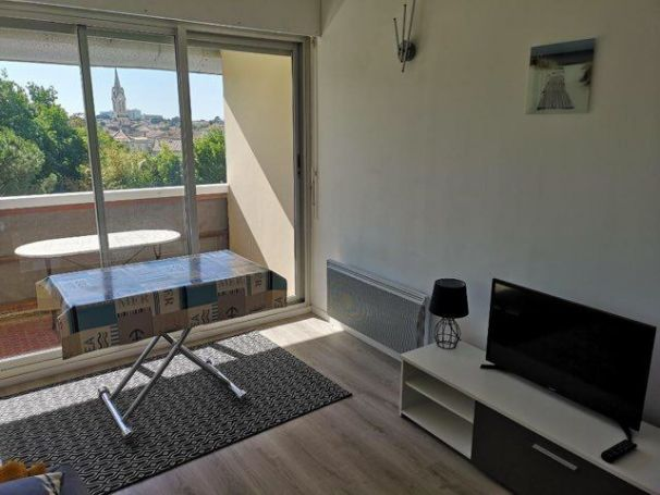 A vendre APPARTEMENT STUDIO 24 M² CENTRE VILLE st georges de didonne