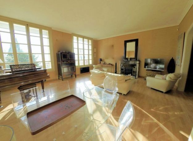 APPARTEMENT T7 195 M2 VUE MER CANNES