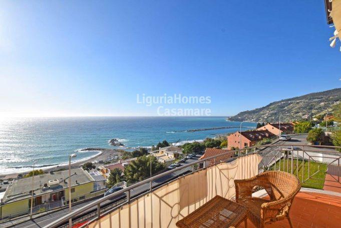 APPARTEMENT T4 50 M2 TERRASSE VUE MER OSPEDALETTI