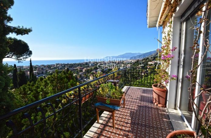 APPARTEMENT T5 88 M2 TERRASSE VUE MER BORDIGHERA