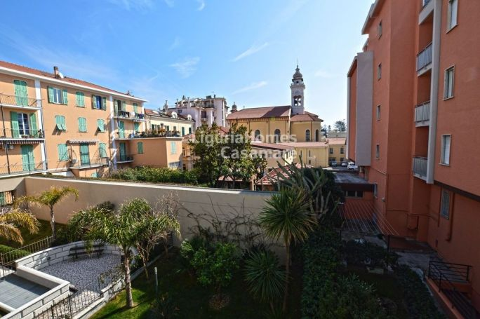 APPARTEMENT T4 55 M2 PLAGE à PIED BORDIGHERA