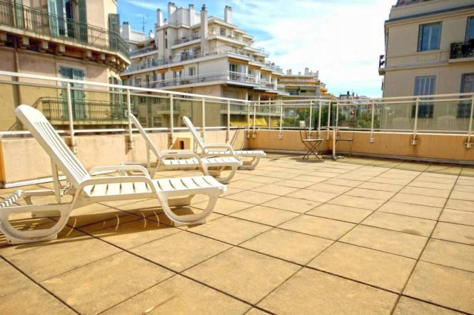 APPARTEMENT NEUF T2 22 M2 TERRASSE BORD DE MER NICE